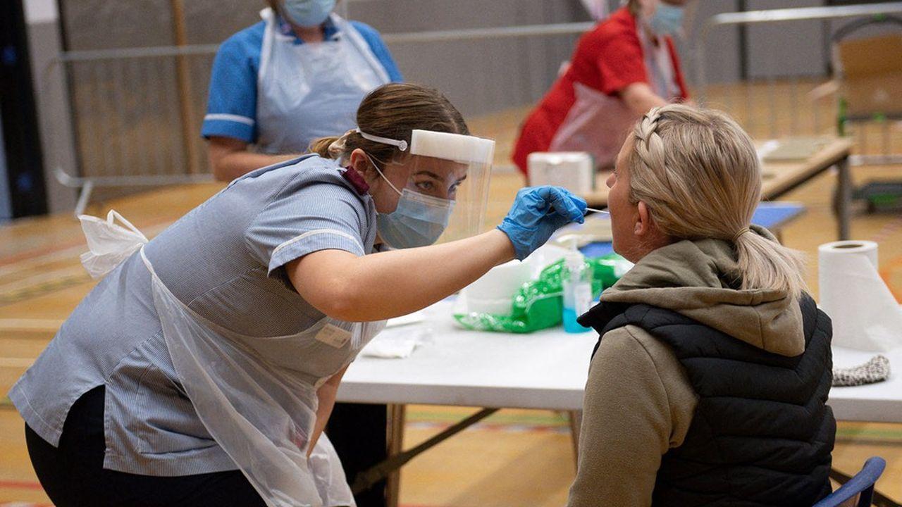 Liverpool a proposé à ses 500.000 habitants de se faire tester sur la base du volontariat.