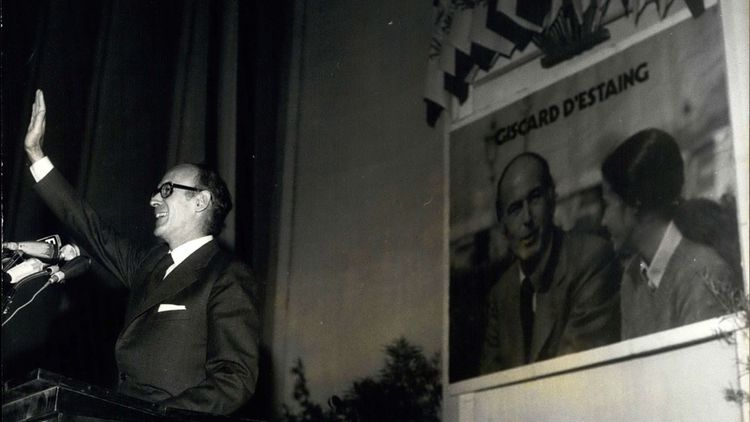 Le 28 avril 1974, Valéry Giscard d'Estaing en campagne à Nice.