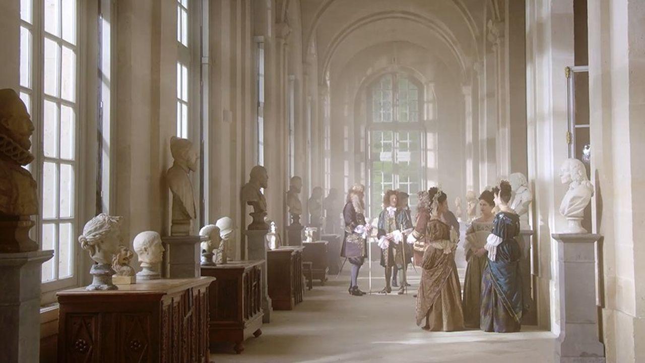Le documentaire «L'invention du luxe à la française» mêle reconstitutions et entretiens avec des spécialistes.