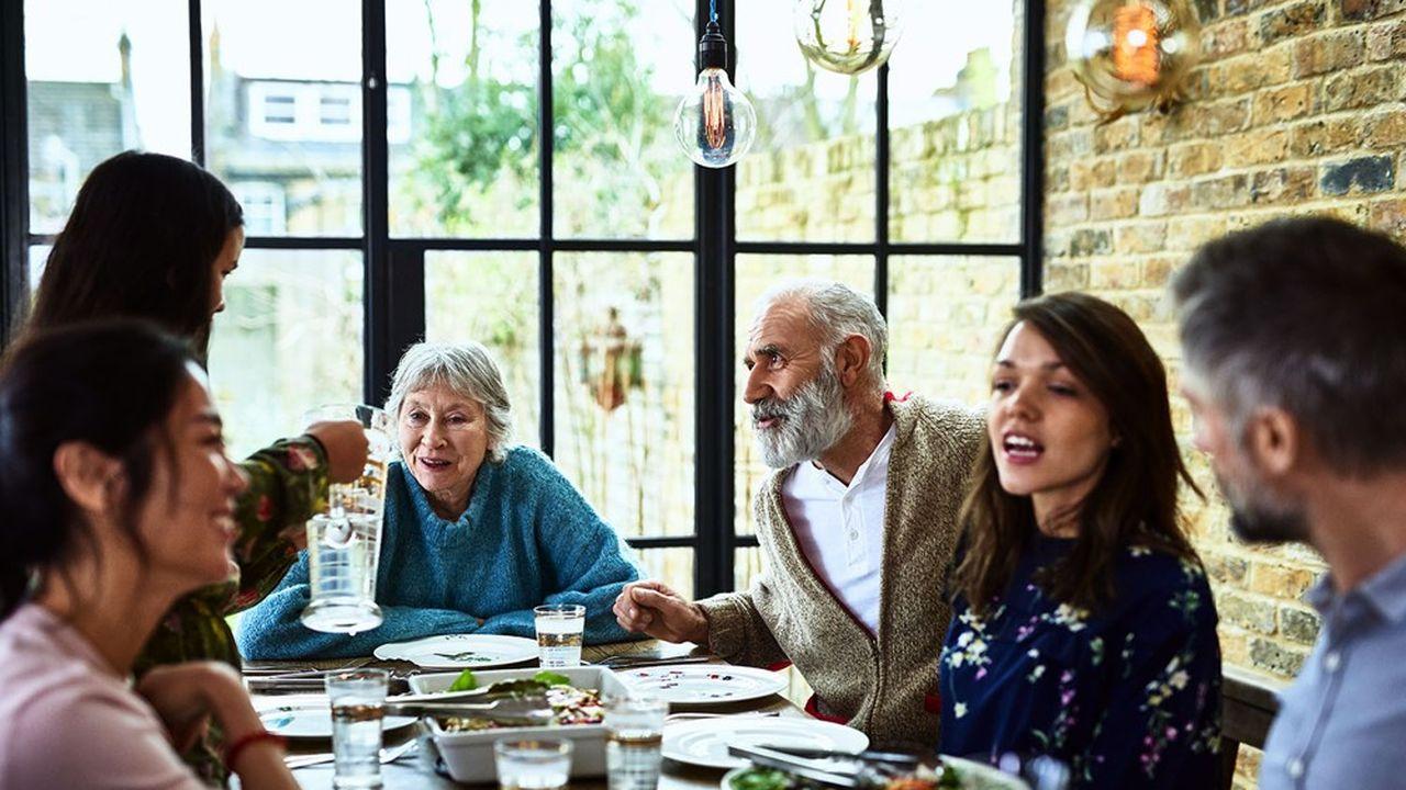 Covid: les contaminations sont plus fréquentes dans le milieu familial