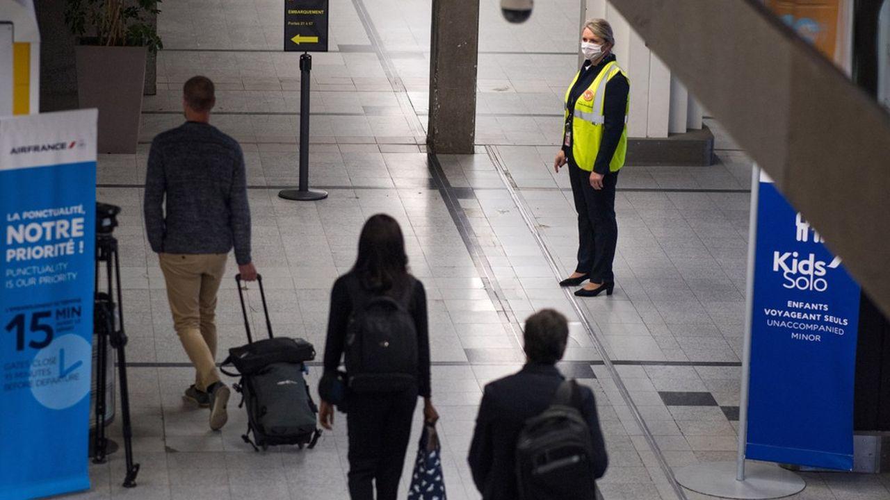 Après le point bas de novembre, les passagers seront de retour dans les aéroports français durant les fêtes de fin d'année.