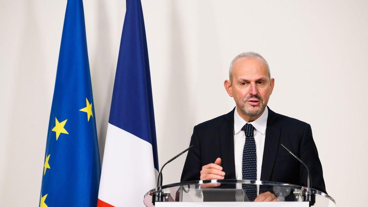 «Nous sommes en phase d'analyse», et des mesures seront prises «en temps voulu», a déclaré le directeur général de la Santé, Jérôme Salomon.