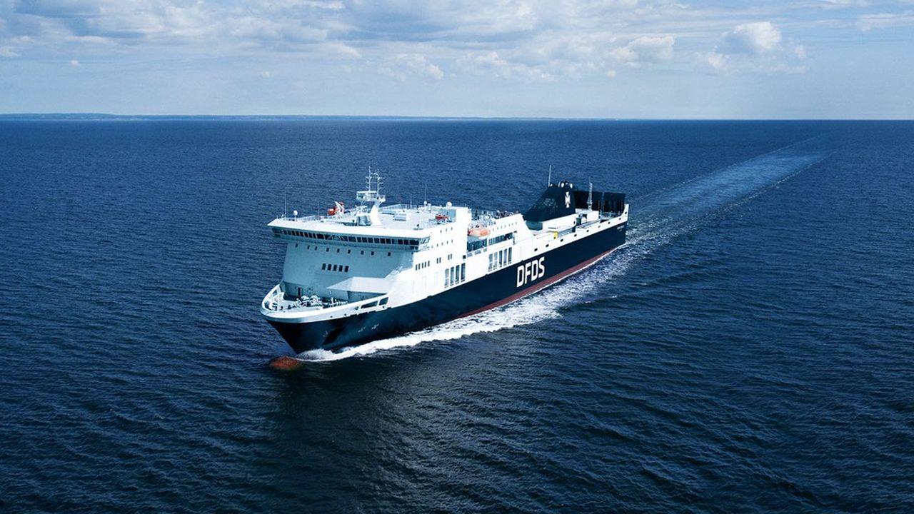 Trois navires, qui pourront transporter chacun 150 camions (avec remorques et chauffeurs), assureront la liaison entre Dunkerque et Roslare.