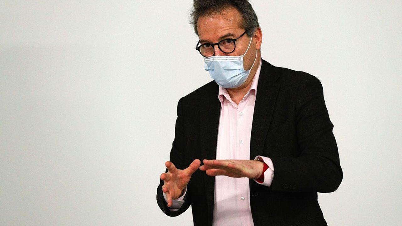Le directeur général de l'Assistance publique-Hôpitaux de Paris, Martin Hirsch, prévoit près de 400 recrutements par an pendant trois ans.