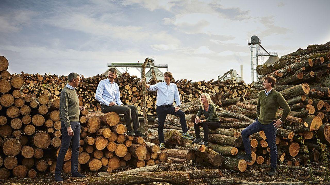 Carbonex, une entreprise familiale fondée par trois frères (de gauche à droite) Philippe, Jean, et Pierre Soler-My. Avec Anne-Mette Soler-My, directrice de la communication du groupe et Emil.