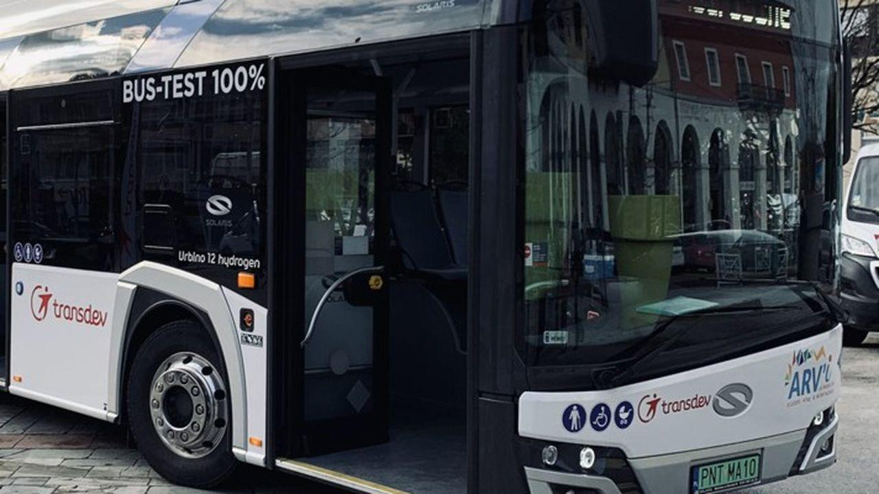 Cluses a testé avec Transdev un bus électrique roulant avec une pile à hydrogène.