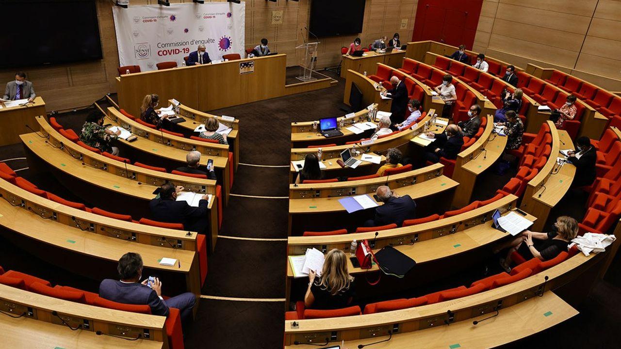 La commission d'enquête sénatoriale sur la crise du Covid a remis son rapport ce jeudi.
