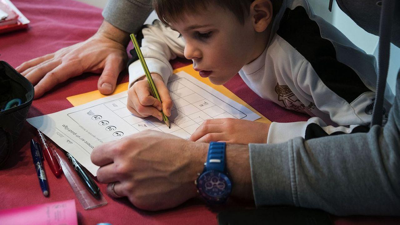 Ecole à domicile : quelles stratégies adoptent les pays à travers