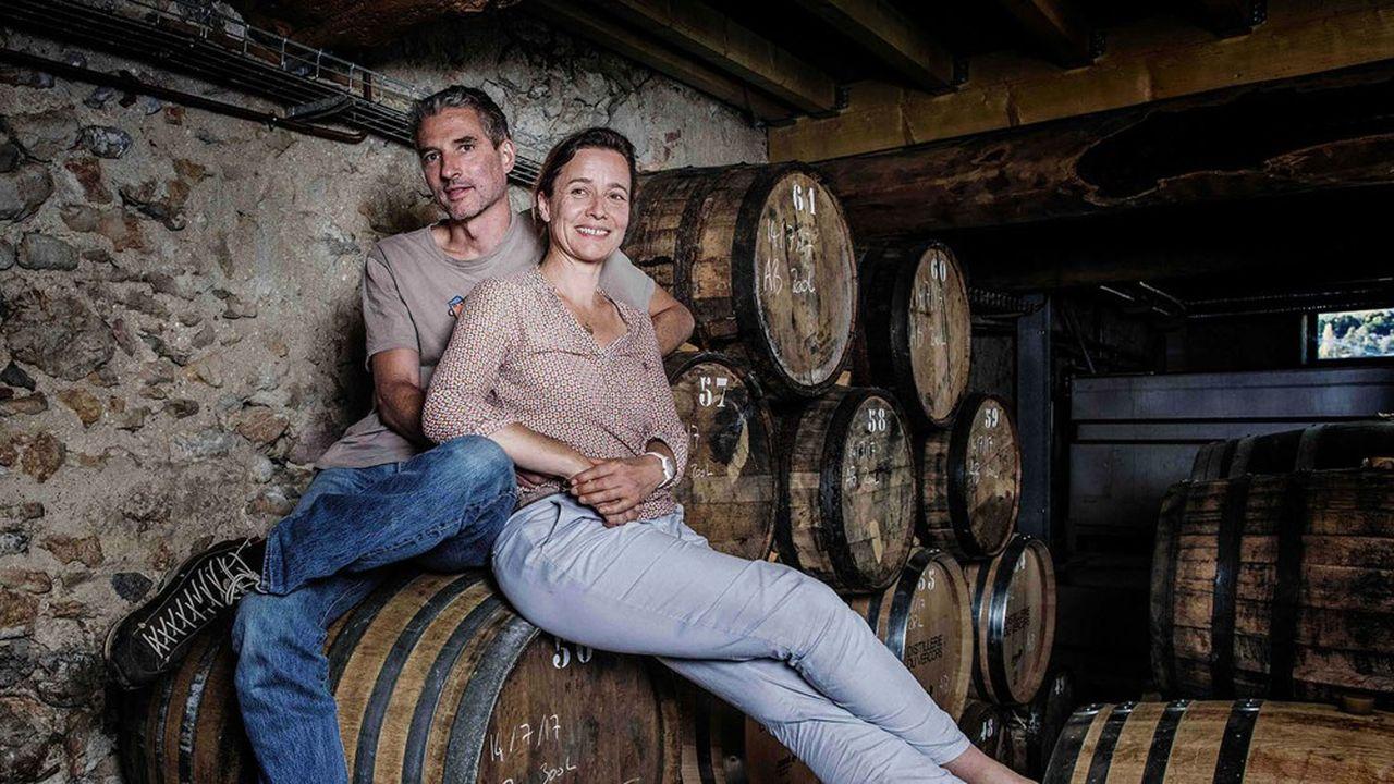 Eric Cordelle, ancien banquier, et son épouse se sont installés dans le Vercors pour y distiller un whisky haut de gamme.