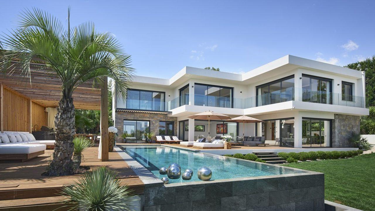 Une villa en vente à Mougins, sur la Côte d'Azur, chez Sotheby's. Le confinement a ravivé l'intérêt des clients fortunés pour les résidences secondaires.
