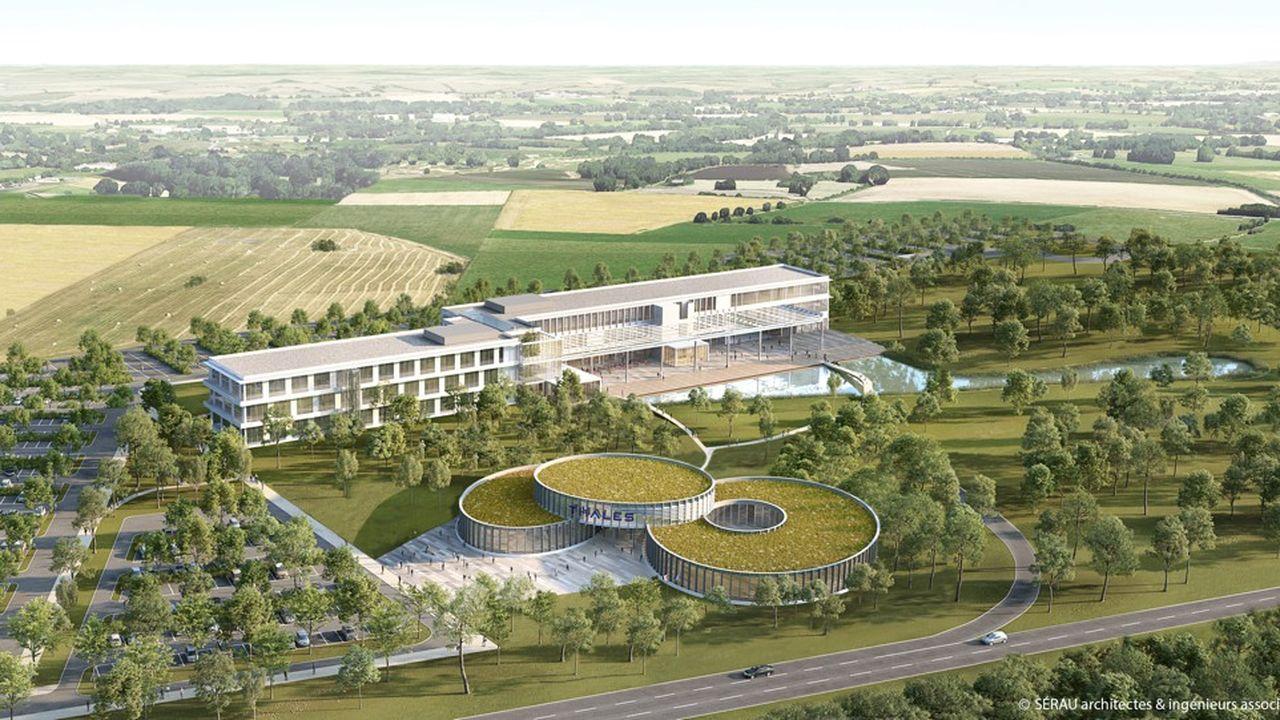 Le groupe Thales est sur le point d'acquérir un terrain de 20 hectares, à Cholet, pour construire 10.000mètres carrés de locaux tertiaires et de R&D ainsi qu'une plateforme logistique de 17.000 mètres carrés.