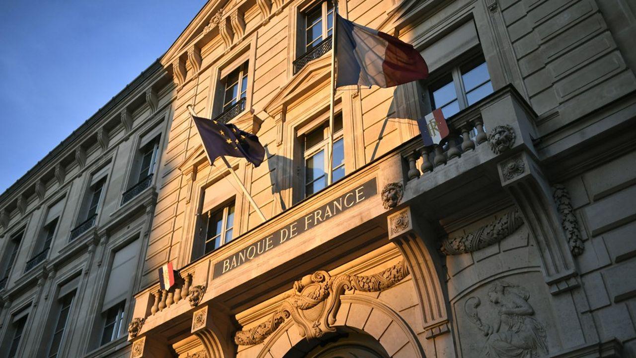 Les économistes de la Banque de France tablent sur une hausse du PIB de 5% l'an prochain alors que Bercy anticipe une croissance de 6%. Ils sont toutefois moins inquiets que l'exécutif pour cette année.