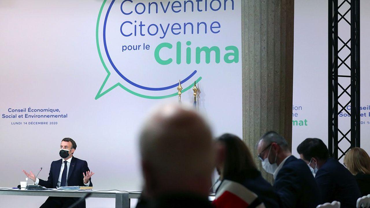 Emmanuel Macron s'est expliqué ce lundi avec les membres de la Convention citoyenne pour le climat, qu'il rencontrait pour la troisième fois cette année, notamment sur l'épineuse question du «sans filtre».