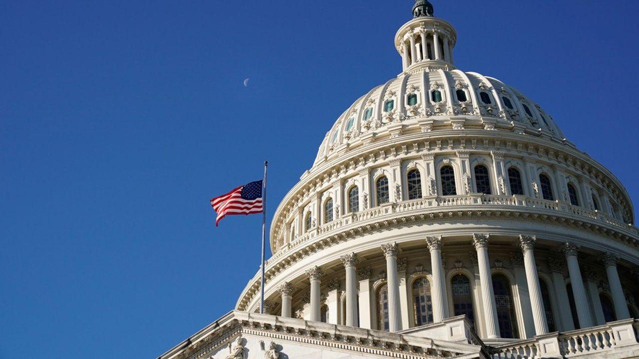 Le Congrès a largement adopté le projet de loi de Défense, mais Donald Trump refuse de le signer.