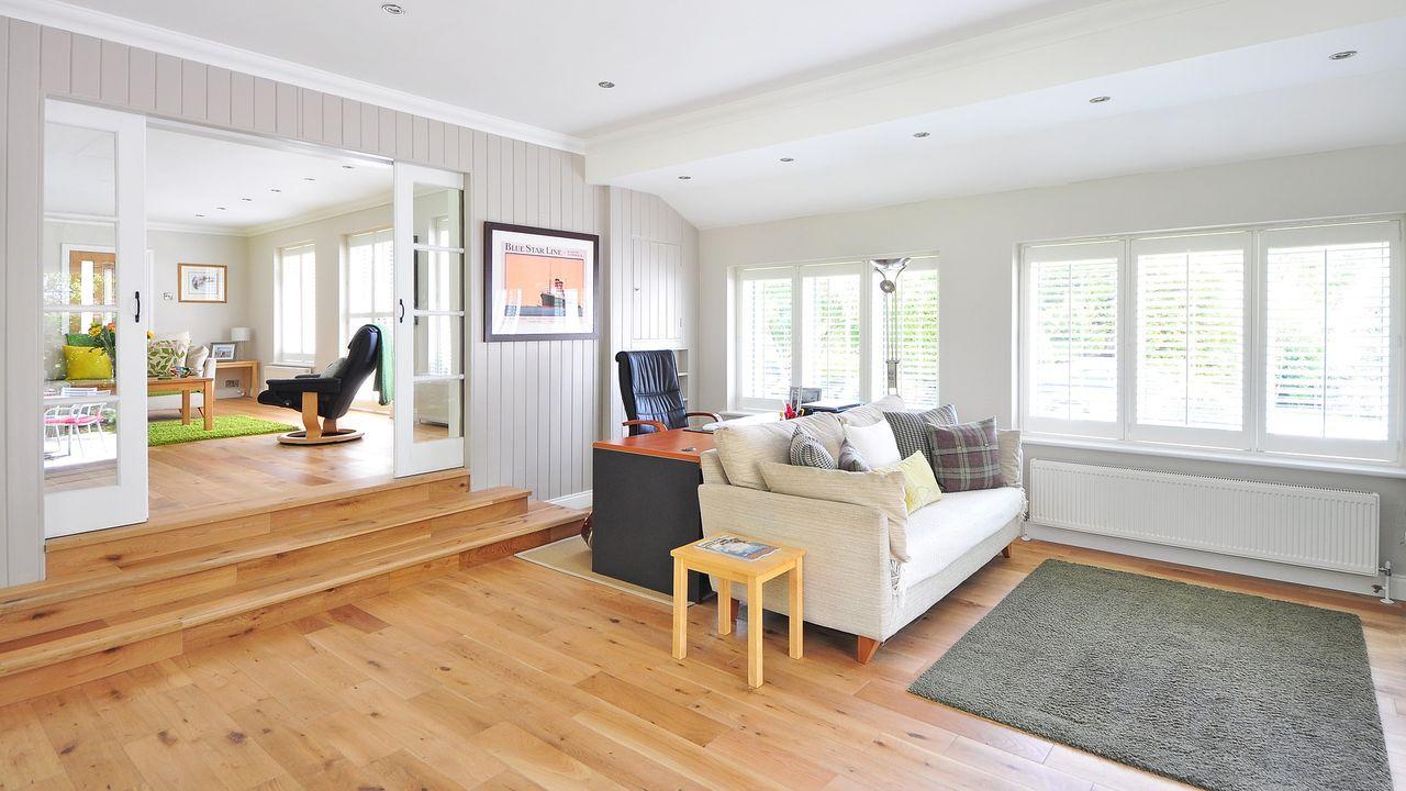 wooden-floor-1336166_1920.jpg