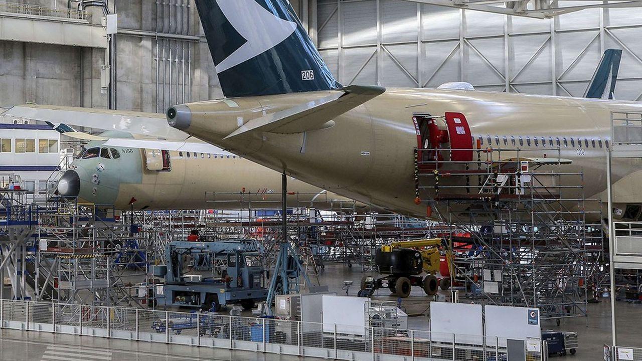 En octobre, sur les douze derniers mois, les exportations aéronautiques sont tombées à seulement 40milliards d'euros alors qu'elles avaient atteint 65milliards sur toute l'année 2019.