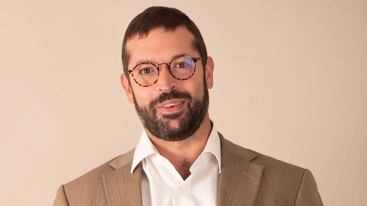 Le président-fondateur de Qairos, Jean Foyer, est un ingénieur issu du secteur de l'automobile.