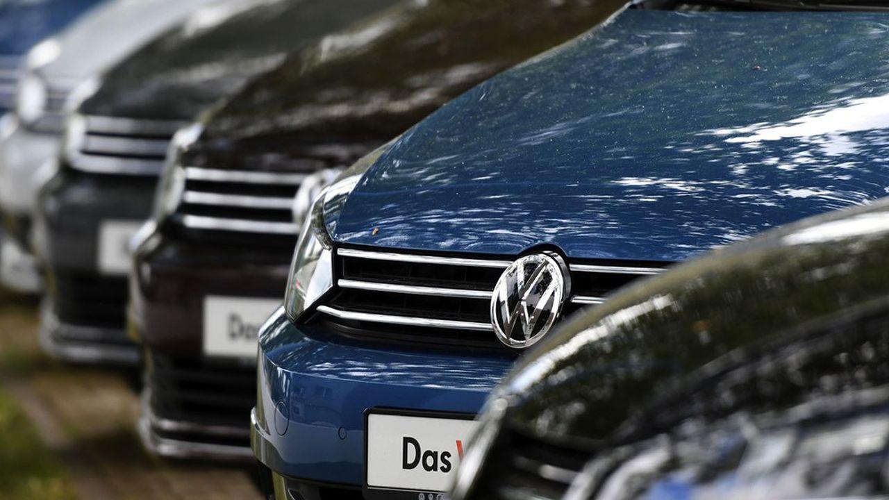 Le groupe allemand Volkswagen avait reconnu à l'automne 2015 avoir équipé 11millions de ses véhicules diesel avec un logiciel, faussant les tests d'émissions de gaz polluants