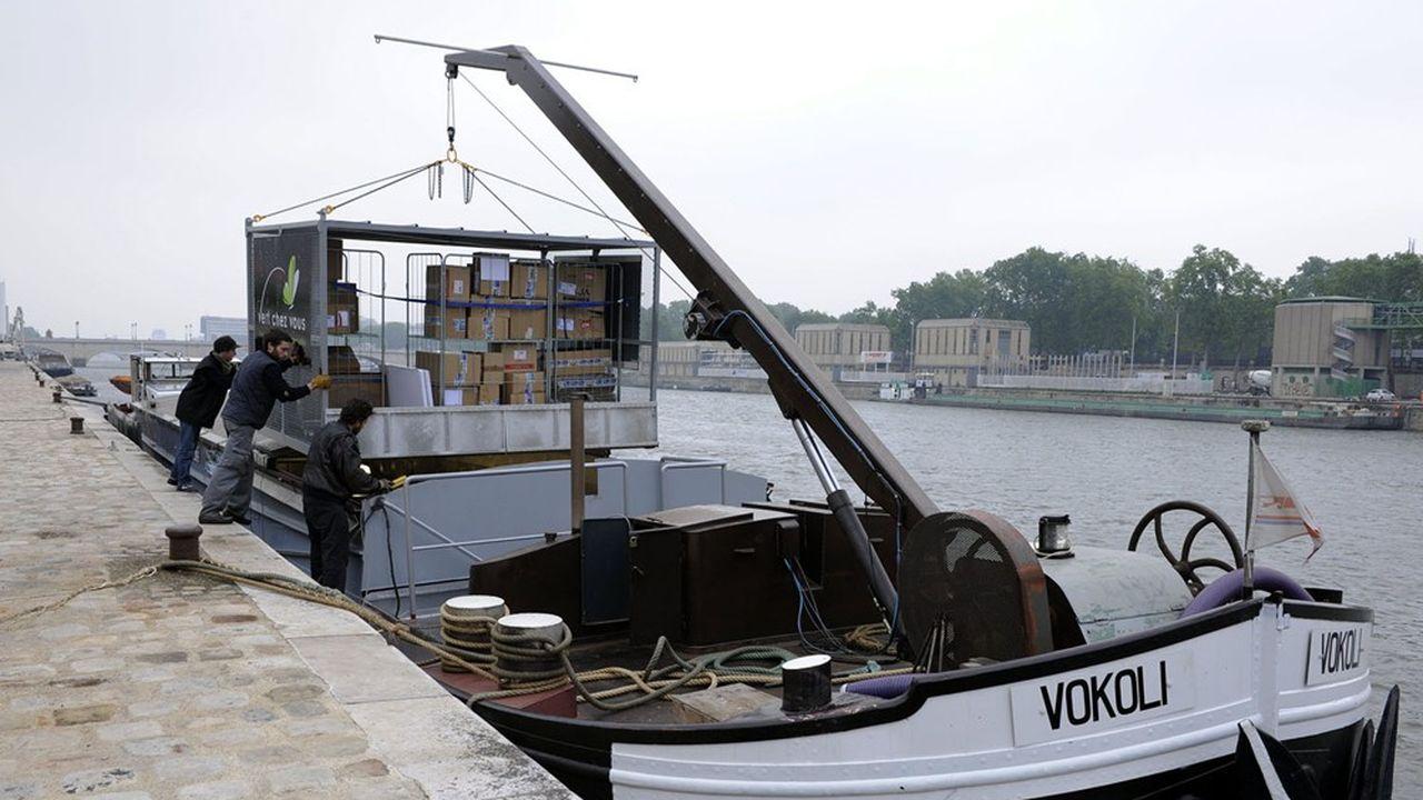 Une des solutions lauréates prévoit une logistique multimodale afin de distribuer les colis parisiens par voie fluviale ou en vélo-cargo.