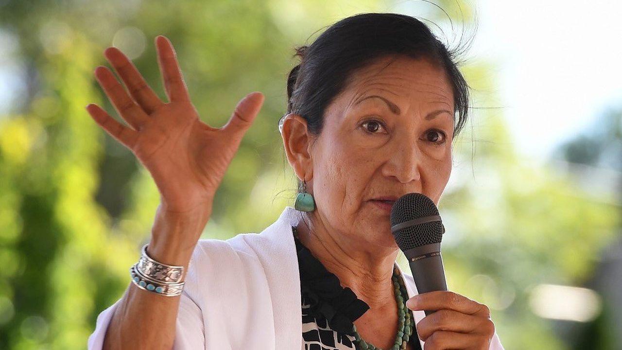 Deb Haaland a été élue, en 2019, représentante en Arizona.