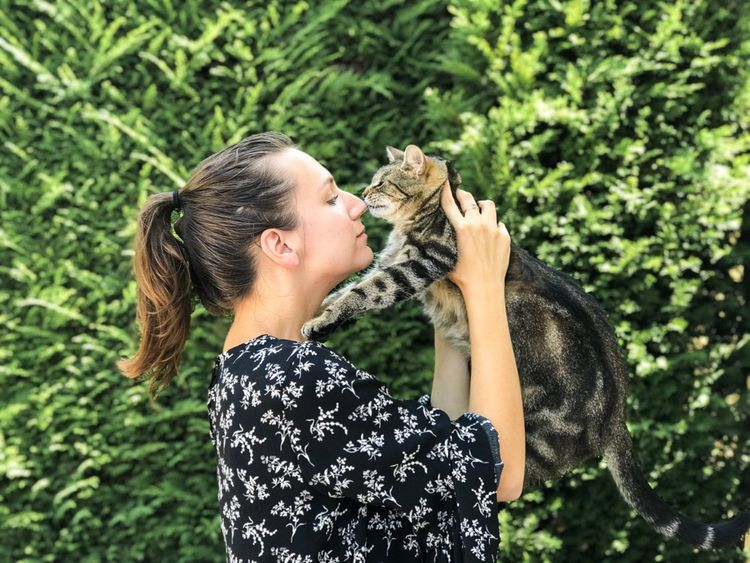 Claire Depirou, 25 ans, a commencé à garder des animaux en 2017, en parallèle de son emploi de fleuriste, avant de s'y consacrer pleinement.