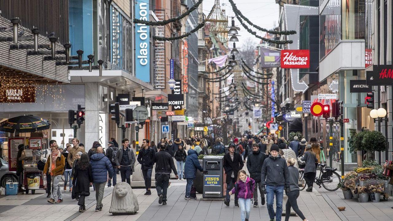 En Suède, le masque anti-Covid sera fermement «recommandé» à partir du 7janvier, mais uniquement aux heures de pointe dans les transports en commun.