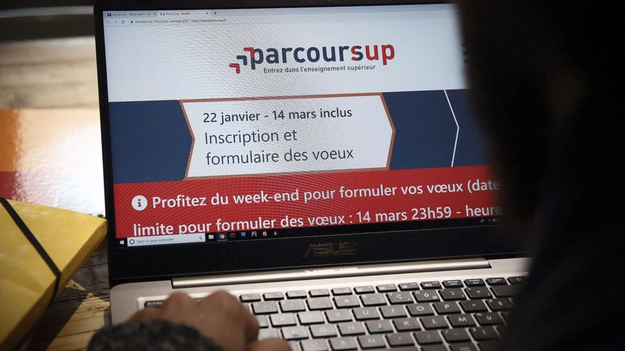 Après une première étape de prise en main du site débutée en novembre, les candidats de Parcoursup commenceront leurs inscriptions le 20janvier. Ils auront leurs résultats à partir du 27mai.