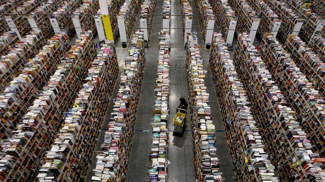 Un centre de distribution d'Amazon à Phoenix, en Arizona.