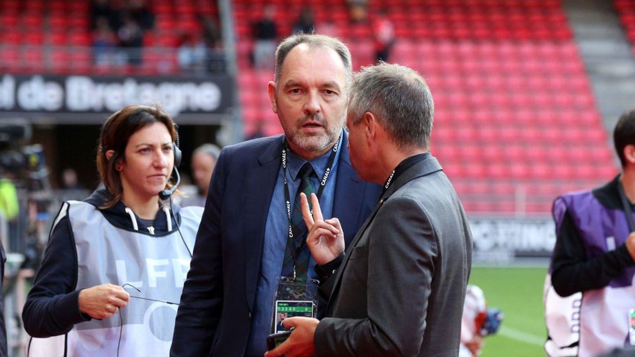 Stéphane Guy, commentateur phare de Canal Plus, a été renvoyé pour avoir apporté son soutien à l'humoriste Sébastien Thoen.