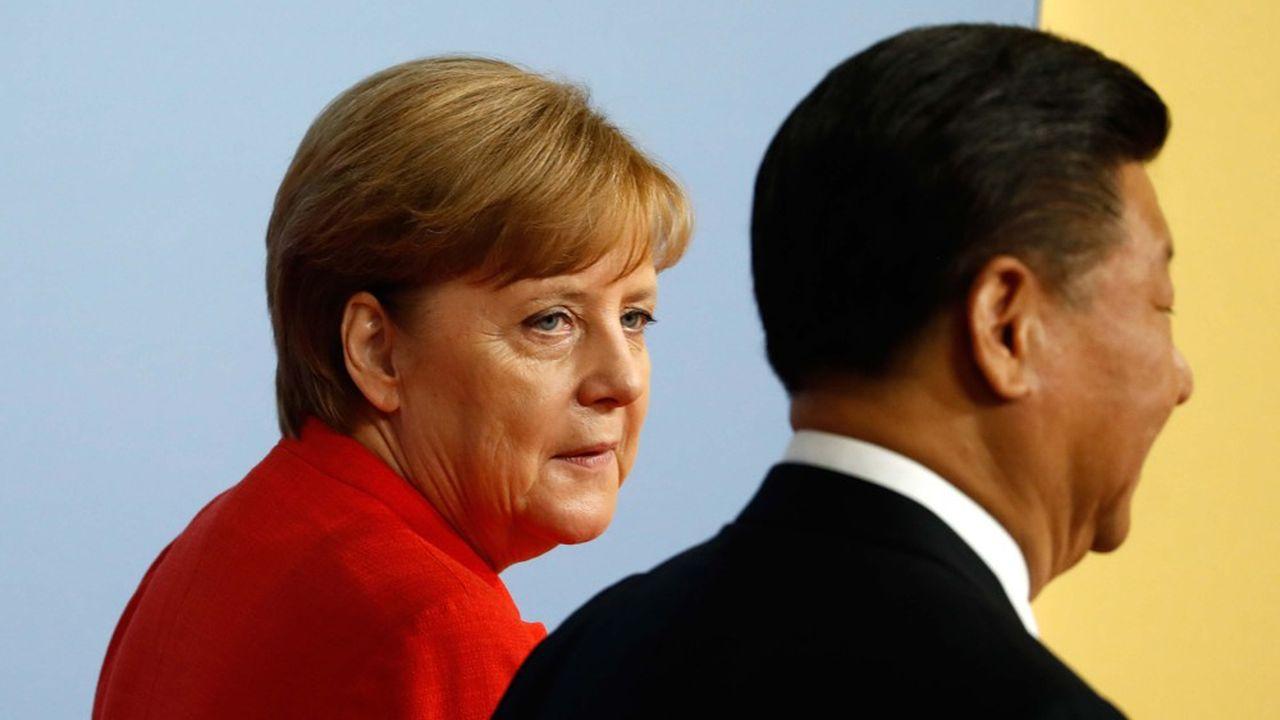 Angela Merkel (ici avec le président chinois Xi Jinping) avait fait de cet accord un des objectifs de la présidence allemande de l'Union européenne.