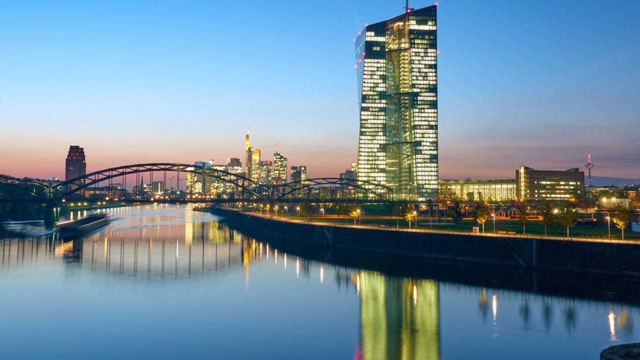 En raison de la crise sanitaire, la Banque centrale européenne (BCE) demande aux banques de limiter leurs versements de dividendes.