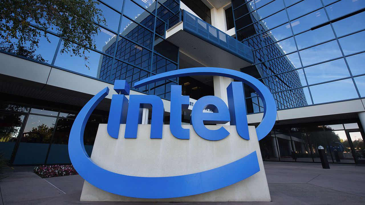 Le groupe américain Intel est le numéro un mondial des CPU, des puces informatiques qui font tourner les PC et les serveurs.