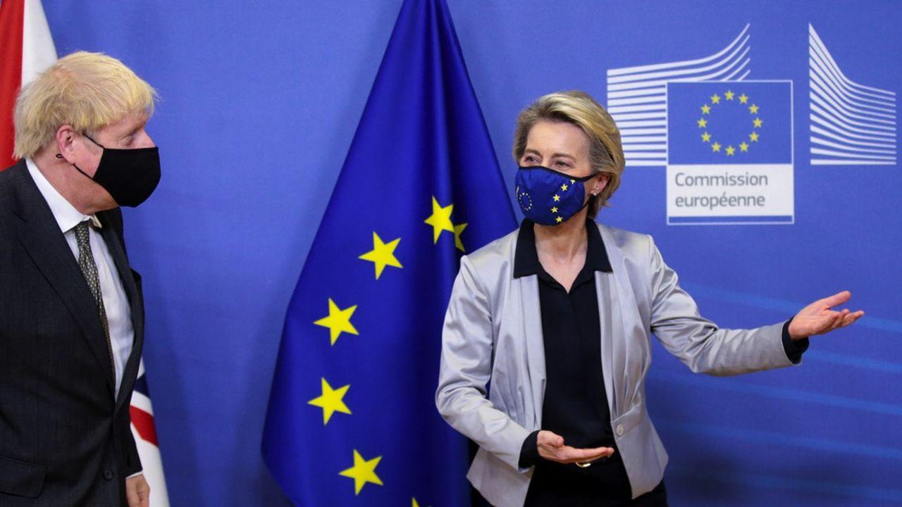 Le Premier ministre britannique, Boris Johnson, et la présidente de la Commission européenne, Ursula von der Leyen, appartiennent tous les deux au centre droit.