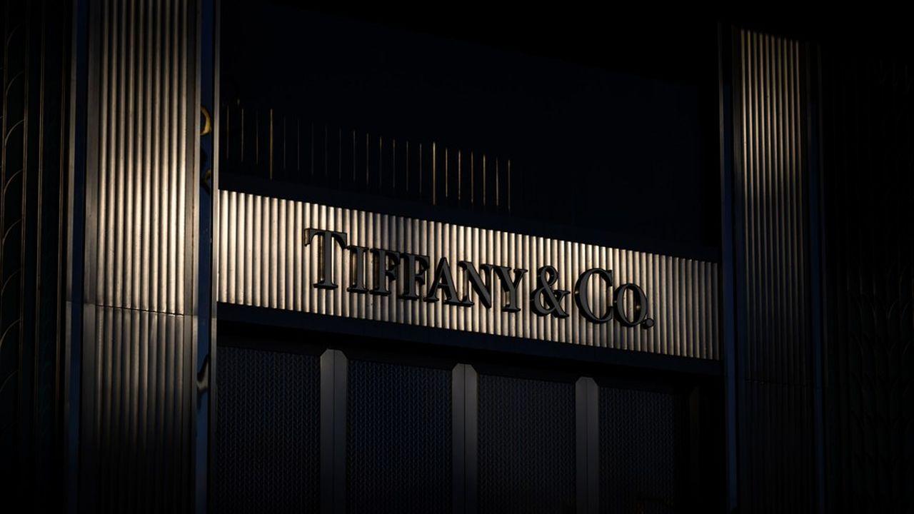 L'assemblea degli azionisti di Tiffany in assemblea generale ha accettato la proposta di acquisto rivista formulata da LVMH.