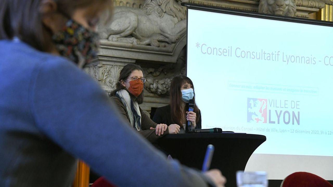 Le Conseil Consultatif Covid-19 lyonnais, composé de 300 personnes, produit des avis qui seront présentés au maire et aux élus