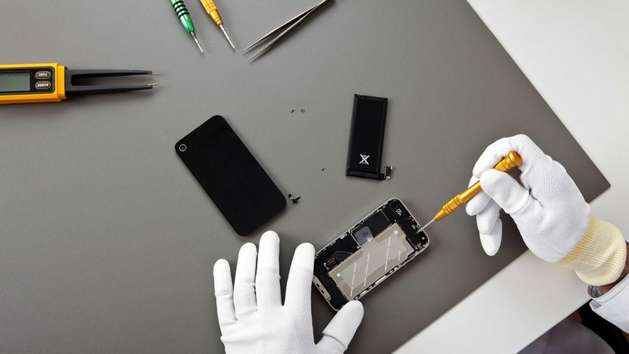 Le nouvel «indice de réparabilité», sur une échelle de 1 à 10, sera apposé dans un premier temps sur les smartphones, les ordinateurs portables, les téléviseurs ainsi que les lave-linge et les tondeuses à gazon.