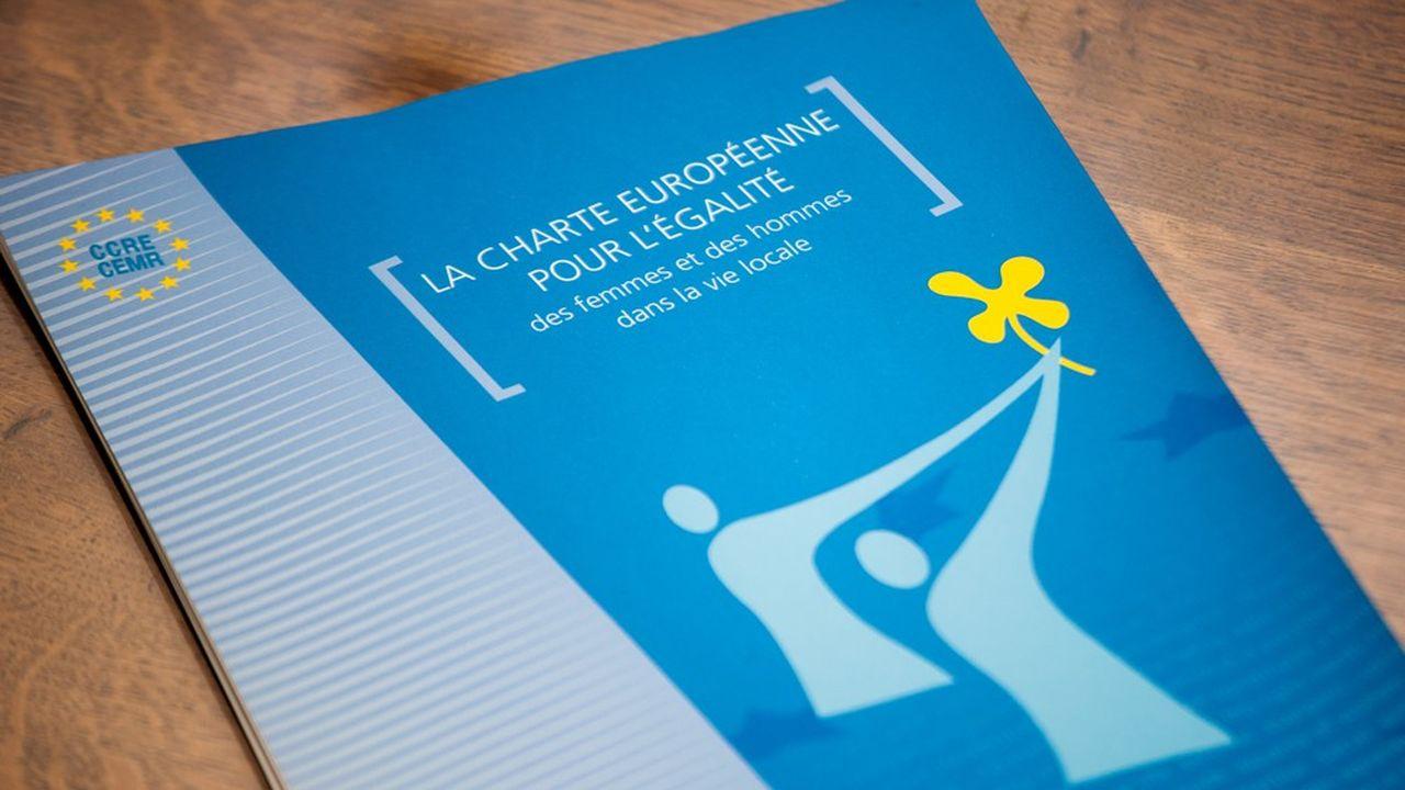 Le document pose un cadre général sur l'égalité des droits entre hommes et femmes au sein de chaque commune.