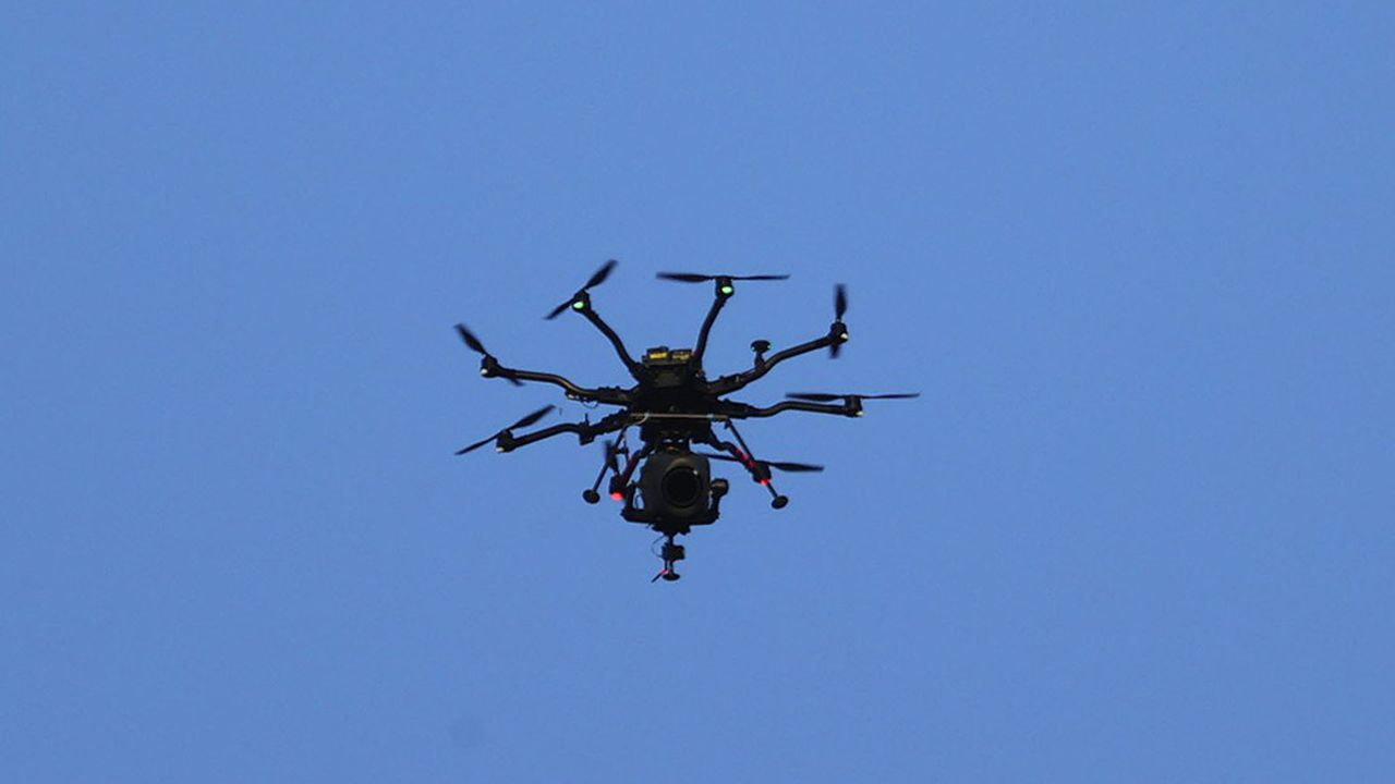 Di fronte a covid, la maggior parte delle banche internazionali ha firmato accordi virtuali, affidandosi ai droni per visitare i siti industriali.