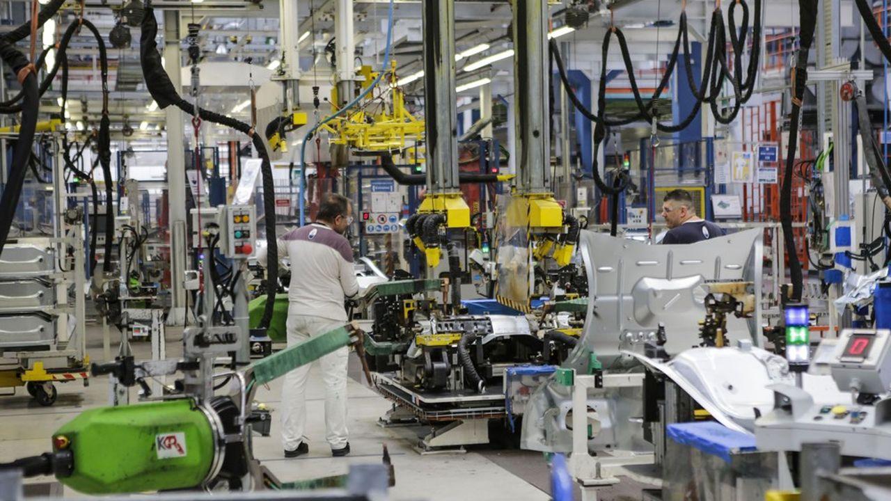 Peugeot et Fiat se marient pour créer Stellantis, quatrième groupe automobile mondial