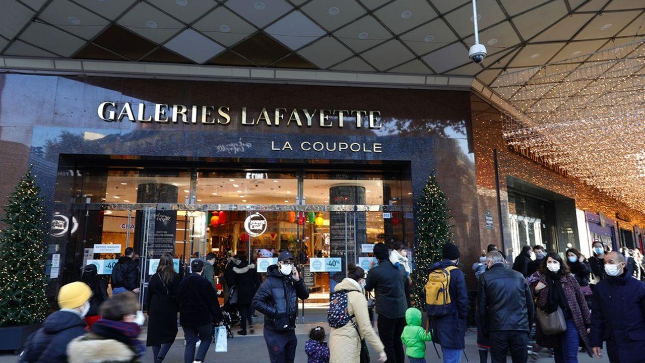 En 2020, les Galeries Lafayette ont fermé pendant 100 jours en raison des deux confinements. Une première dans l'histoire plus que centenaire de l'enseigne de grands magasins.