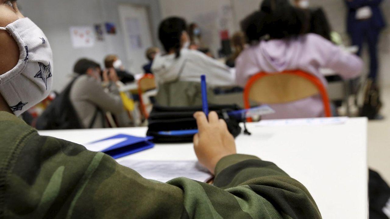Le directeur général de la santé, Jérôme Salomon, a appelé dimanche à être «très attentif aux milieux scolaire et universitaire».