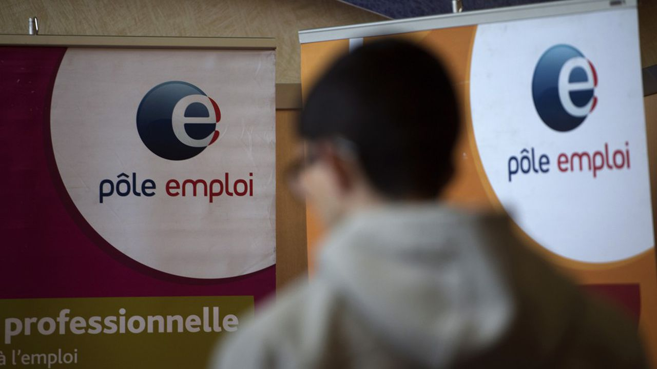 Les aides à l'embauche des jeunes décidées cet été vont être prolongées au-delà de fin janvier.