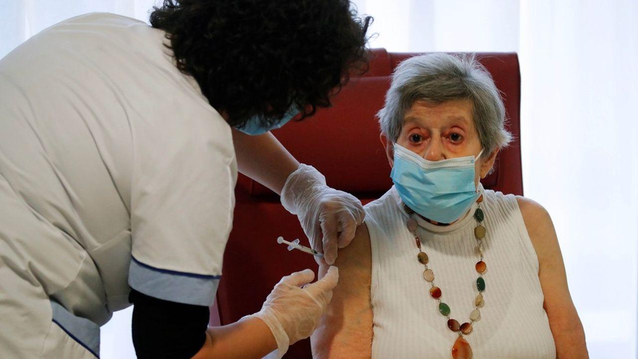 La campagne de vaccination devrait accélérer dans les prochaines semaines.
