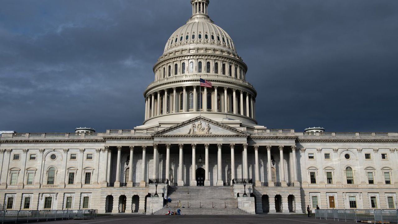 Le Congrès américain, au Capitole à Washington, abrite notamment le Sénat, où Joe Biden aura une majorité d'une voix seulement, celle de sa vice-présidente.