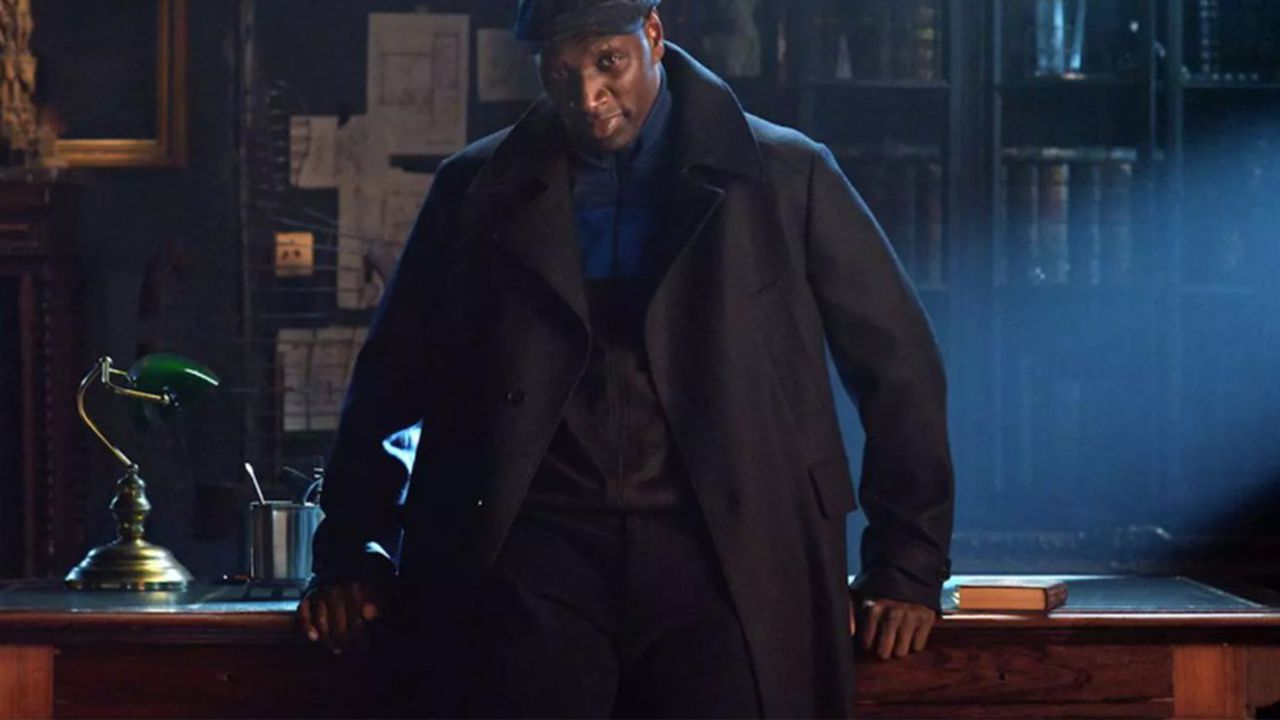Omar Sy joue Assane Diop, grand admirateur du personnage d'Arsène Lupin, dans la nouvelle série de Netflix.
