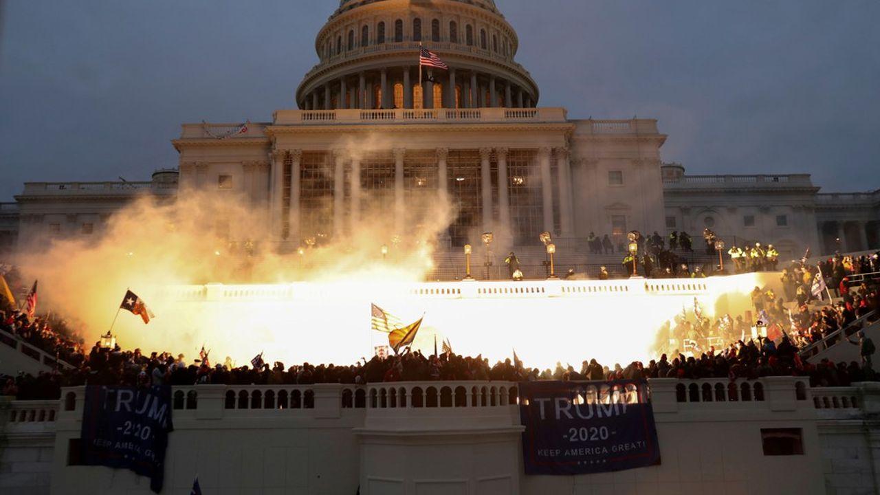 Des violences ont éclaté au Capitole, bâtiment qui sert de siège au Congrès, mercredi 6janvier 2021.
