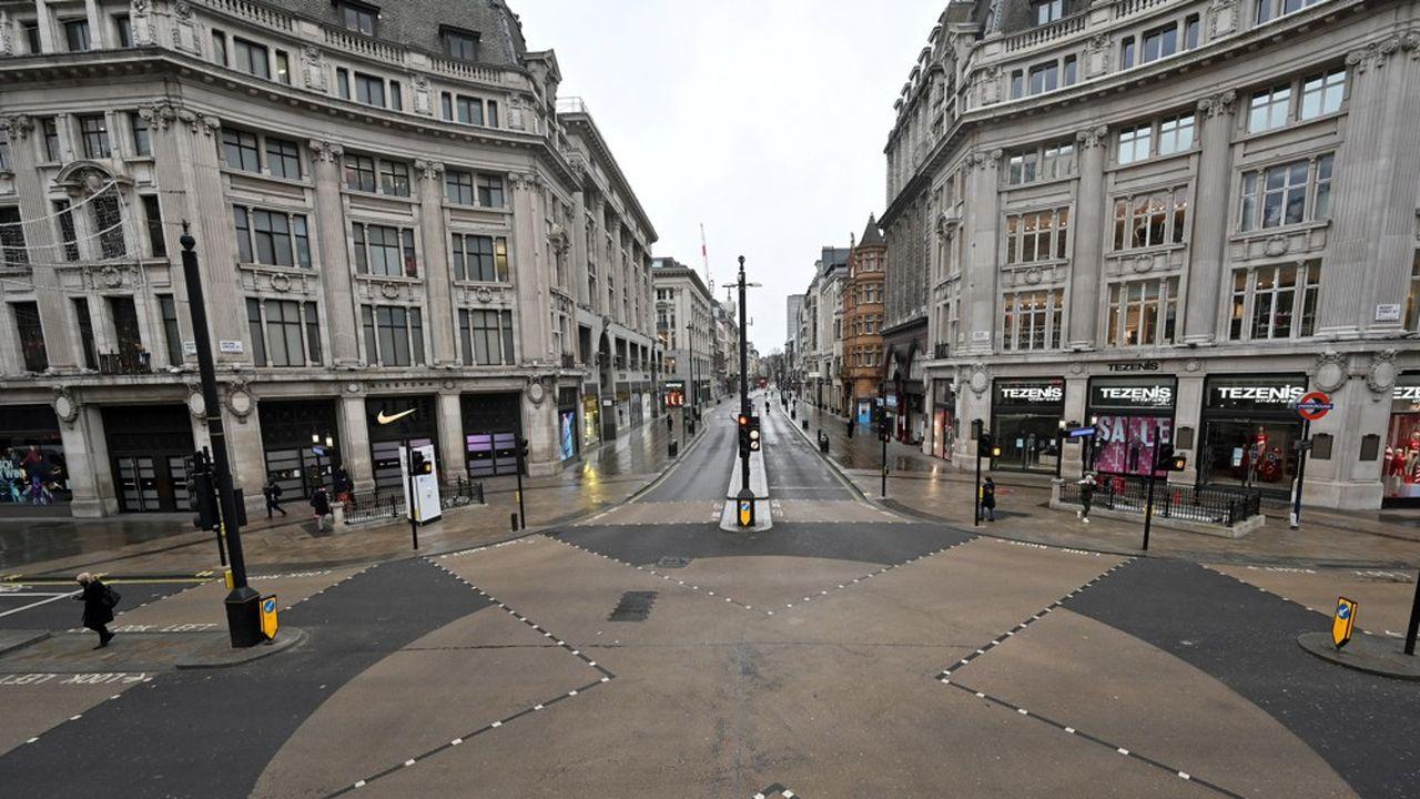 Les rues de Londres, le 5janvier 2021. La capitale britannique et le reste du pays reconfinent face à l'accélération de la pandémie de Covid-19.