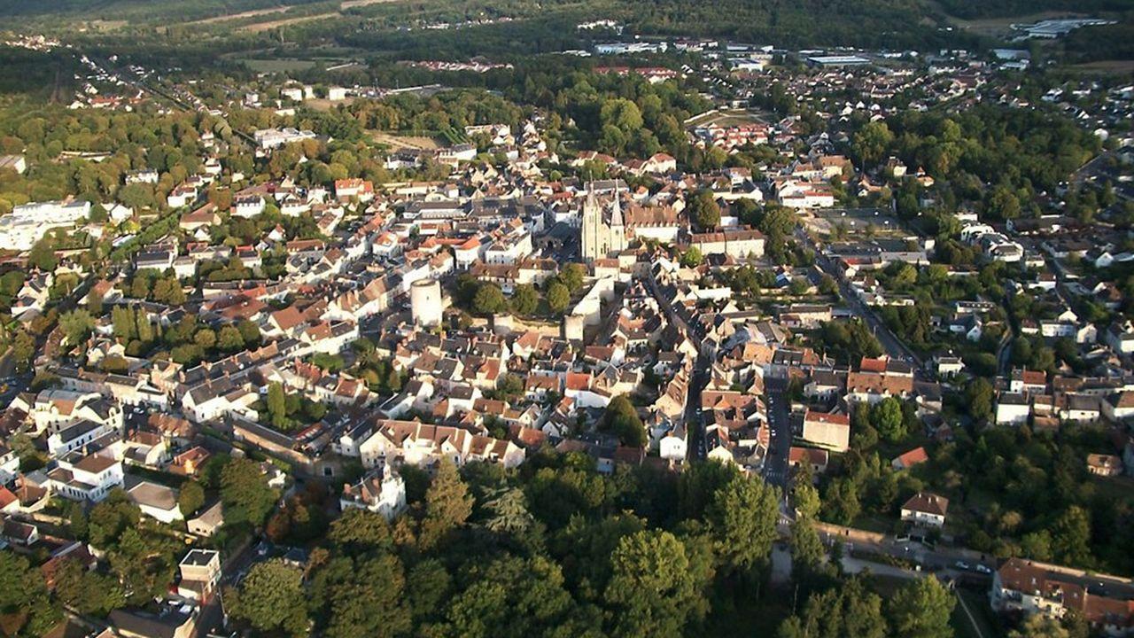 Dourdan est l'une des villes lauréates du dispositif avec Angerville, Ballancourt-sur-Essonne ou encore Milly-la-Forêt.