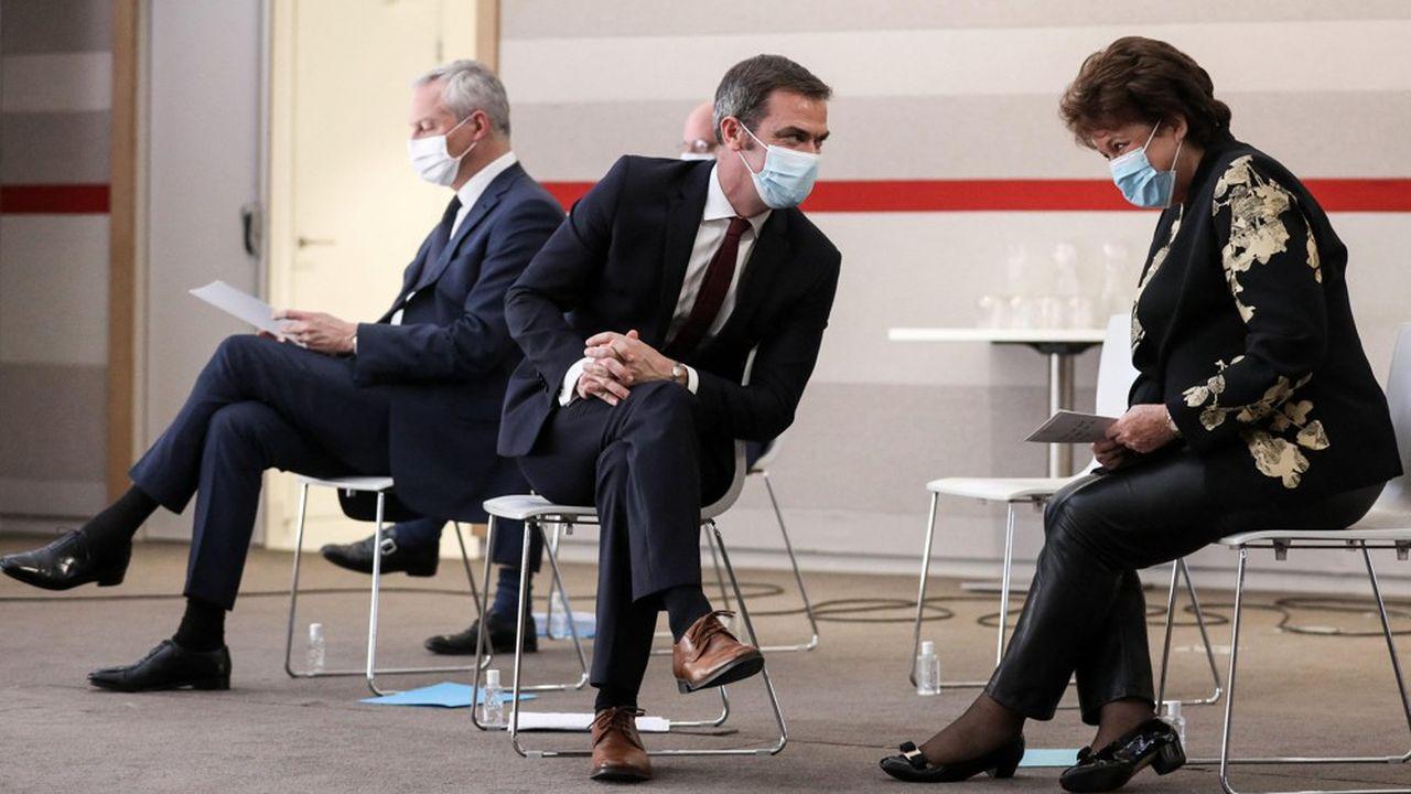 Bruno Le Maire, Olivier Véran et Roselyne Bachelot, lors d'une conférence de presse en octobre dernier.