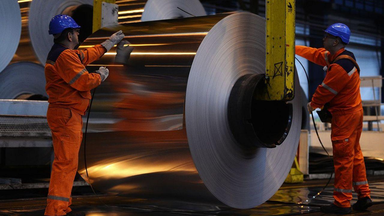 Des sites comme celui du groupe Liberty, qui produit de l'aluminium à Dunkerque, ou ceux du chimiste KEM ONE dans le sud de la France peuvent se voir couper le courant pour libérer des centaines de mégawatts